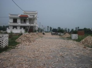 well-developed-society-in-deva-road-immediate-possesionlimited-plots-left-404119558-1398230918