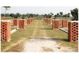 Plots-behind-New-Jail-near-Ansal-api-on-Kisan-Path-Sultanpur-road-550-sf-with-84-emi-1061699586-1401935087